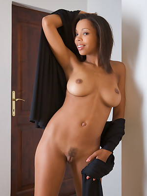 Ebony the body xxx naked photos