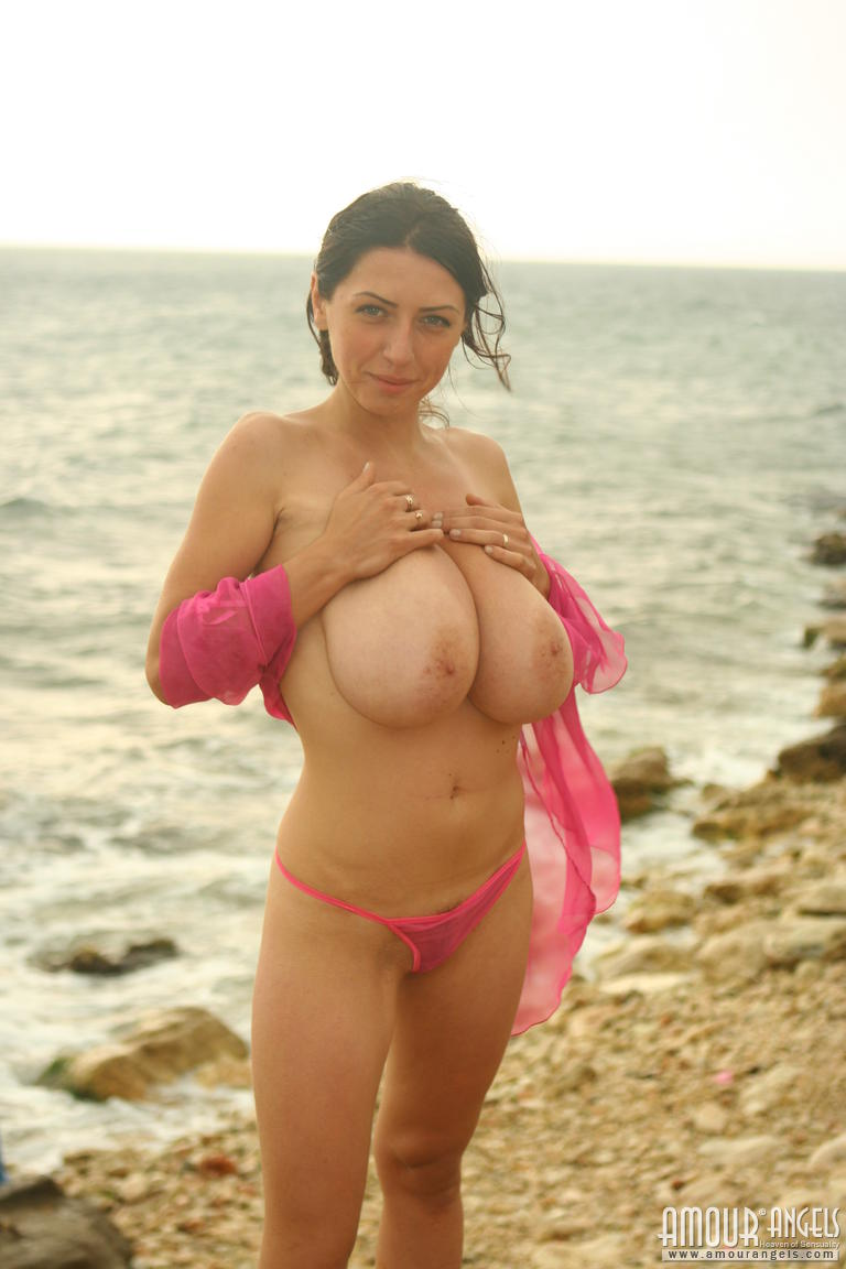 Busty nude babes Super