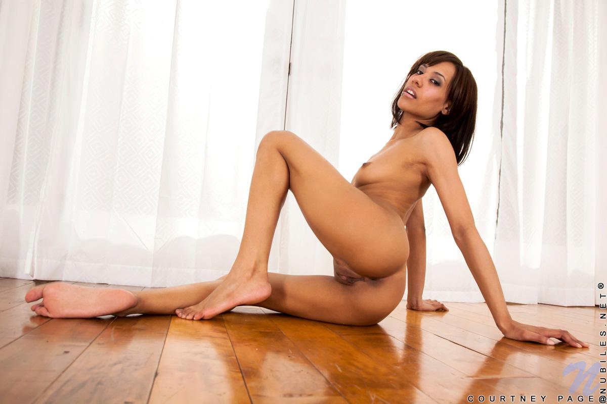 Pretty caramel pussy sexe hot boy