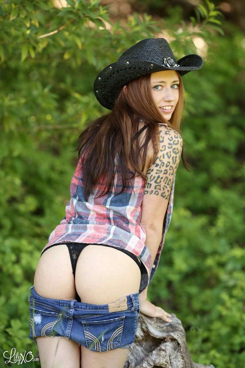 Outdoor Cowgirl Tit Porn