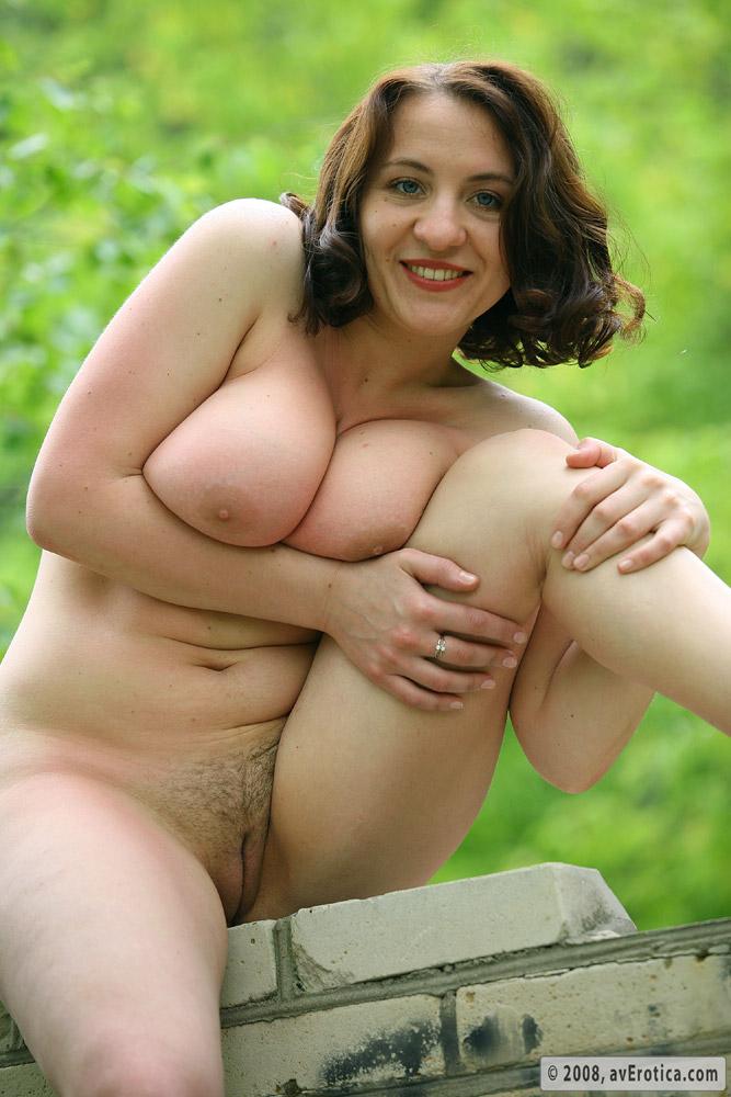 Av Erotica Single Nude Pic