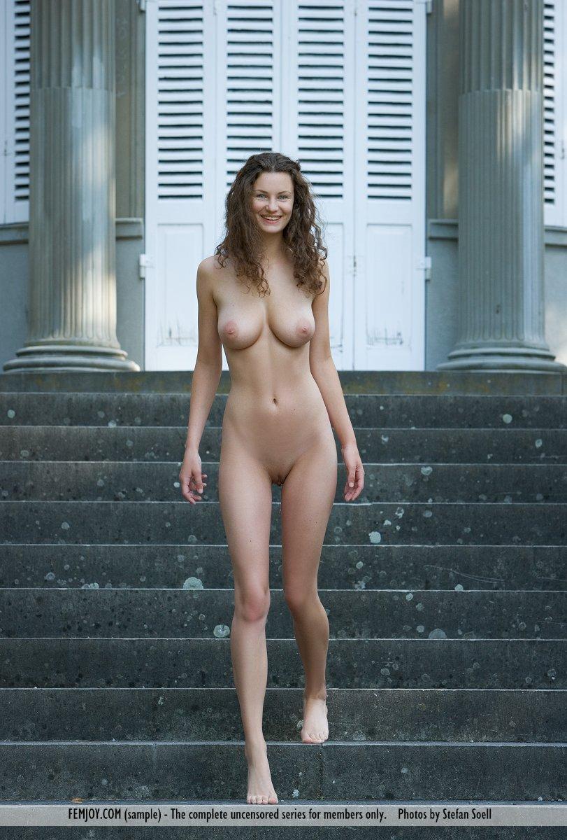 nude women with hairy bush pics