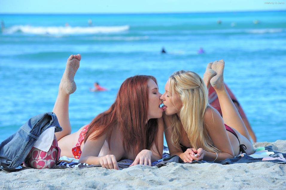 Girl nude sexy beach lesbian