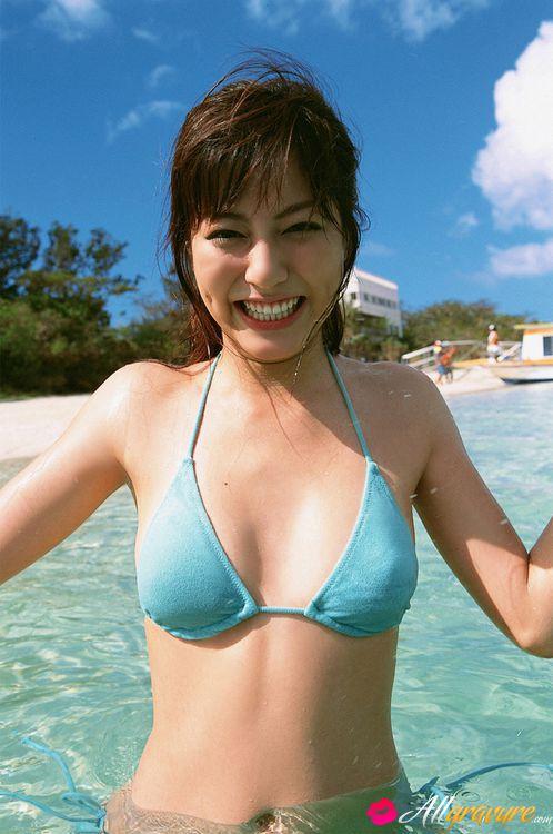 Vanessa hudgenes naked showing tities