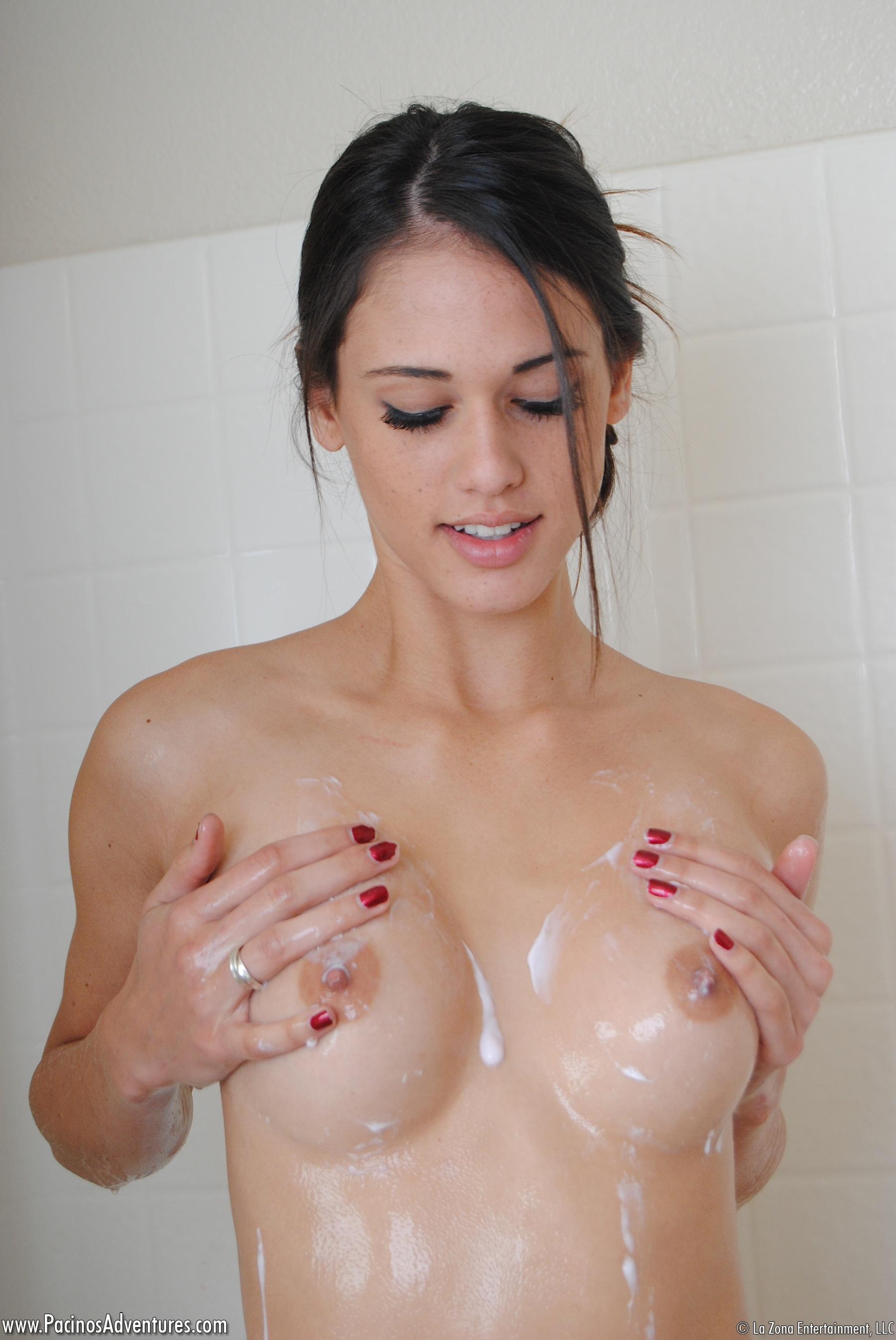 Adventure shower pacinos